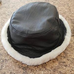 Warm Wilson's Leather Bucket